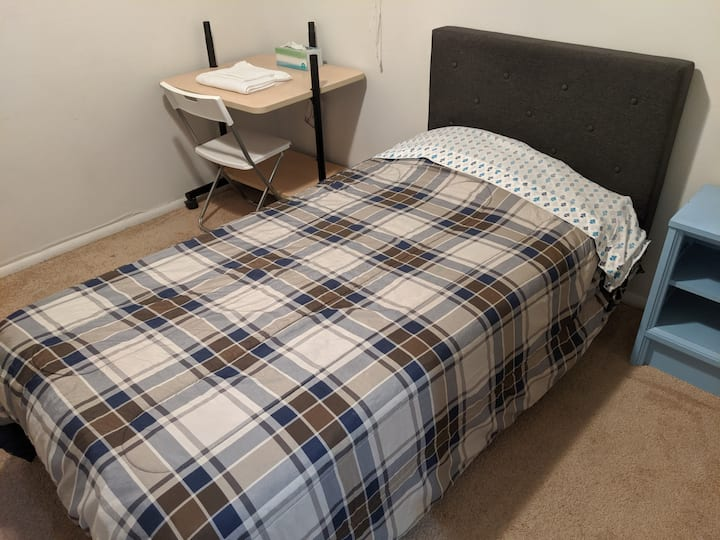 Twin Bed Room - For now essential jobs only
