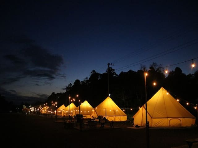 Glamping Tent/large groups (5 beds)/FreeWiFi
