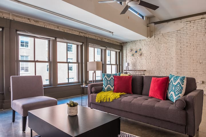1BR Louisville Flat in Downtown