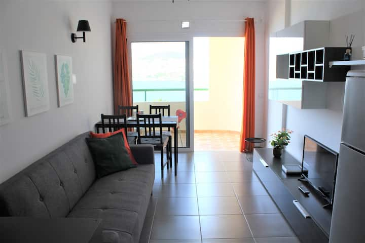 Lovely apartment & nice seaviews Los Cristianos