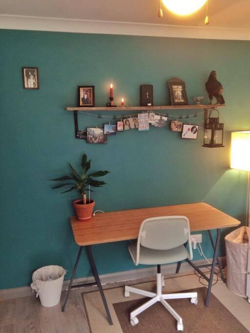 Doble Room_ Desk