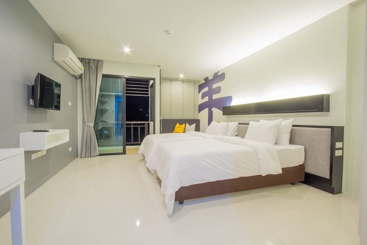 A Superior Room in Phuket + pool :) - Wichit - Daire