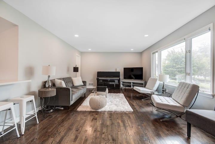 Private 1st Level Apartment 3-bedrms, 2 full bths