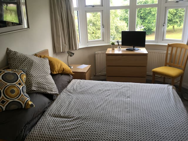 Bright double room with a view!
