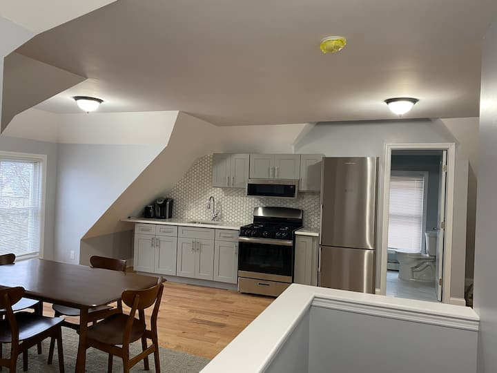 Renovated Luxury apartment  close to Hospitals