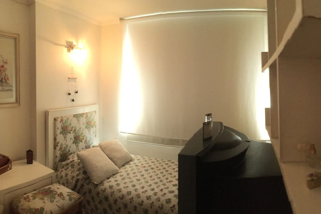 Panoramic view of the room.