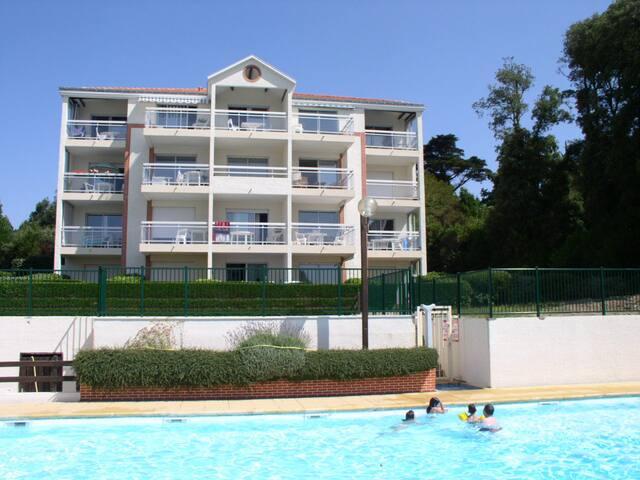 APPARTEMENT face MER avec PISCINE situé à PORNIC - Pornic - Apartament