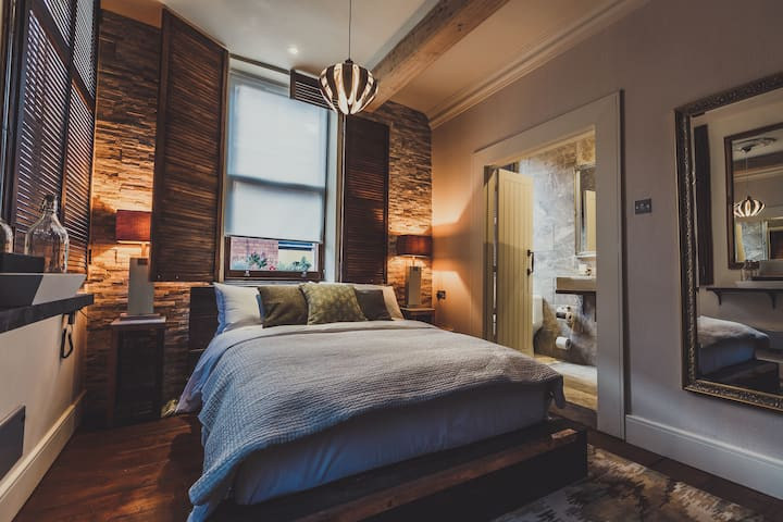 Deluxe Room - The Cow Hollow Hotel