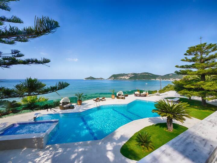 Villa Athanasia Appartement 2 am Strand mit Meerblick und Pool