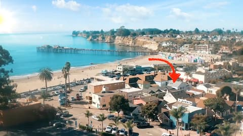 62 steps to sand - historic Capitola beach cottage