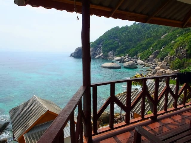Oceanview hut Best Snorkeling Shark bay KOH TAO