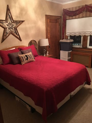 Must Love Dogs-fully furnished bedroom in Scranton