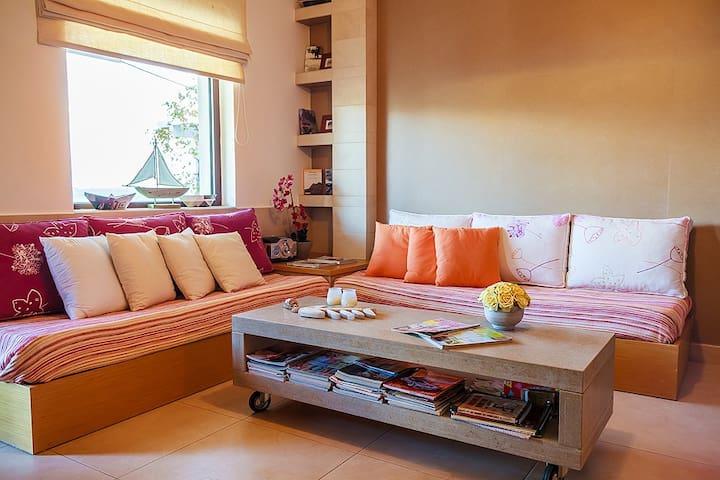 Beautiful Apartment - Makry Gialos