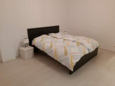 Two nice, bright + spacious bedrooms for 4 persons