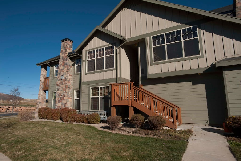 Easy access to condo up the exterior stairs or through attached garage.