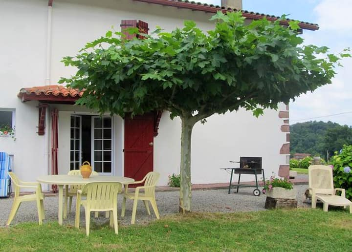 House with 2 bedrooms in Lasse, with wonderful mountain view and enclosed garden - 50 km from the beach