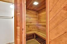 Middle Level,Sauna,