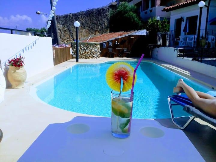 Villa Marella 2, Apartment w/swimmingpool and AC !