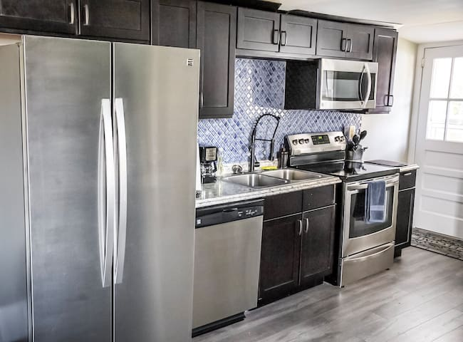 Professional Series Kenmore stainless steel appliances. Brand new...installed July 2018