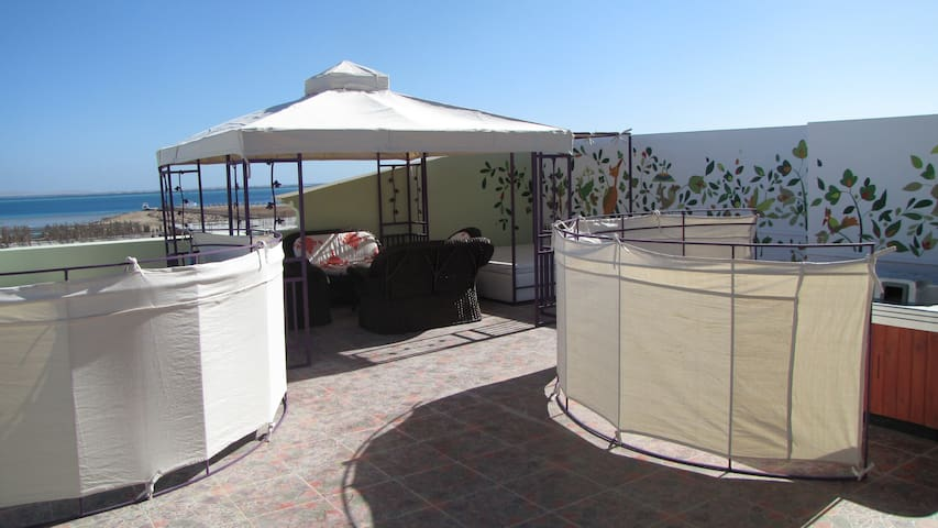 Penthouse Sea View & Jacuzzi on Terrase - Red Sea Governorate - Serviced apartment
