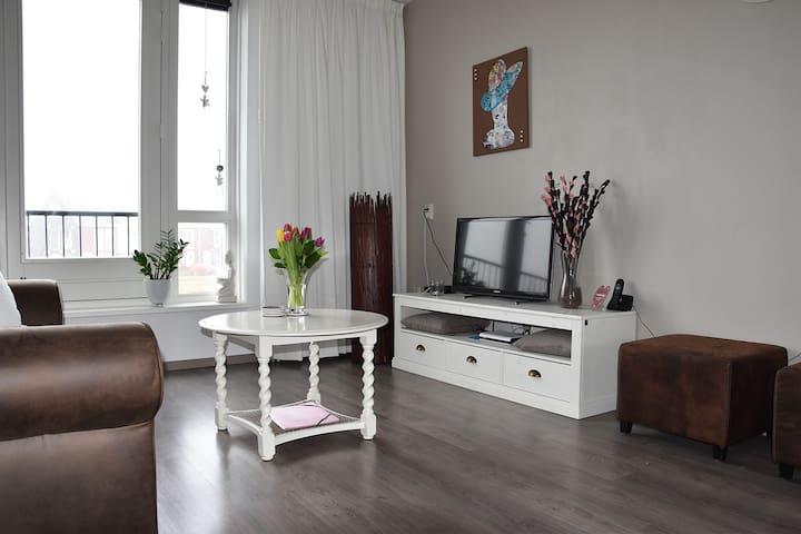 Groot en comfortabel appartement vlakbij Hoorn - Zwaag