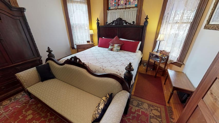 The Primrose BnB Garden Room is an elegant and spacious main floor bedroom that sleeps 2 guests comfortably in its King sized bed. Comes equipped with electric fireplace, flat screen TV, & ensuite bathroom! Enjoy the new outdoor hot tub!