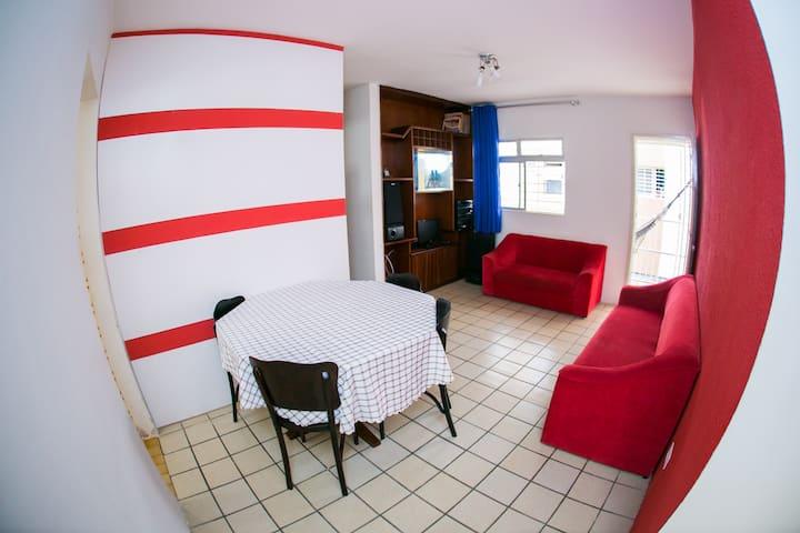 Excelente apartamento três quartos em Boa Viagem.