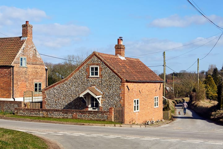 Dog Cottage (North Norfolk)