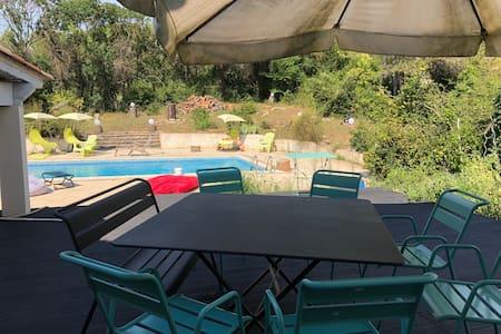 Chambre dans villa coeur garrigue Montpellier Nord