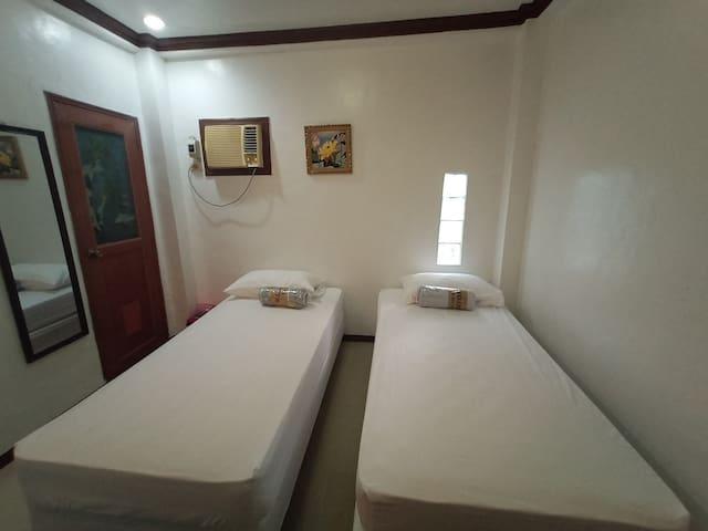 OJ Guest house Room 4