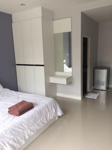 New building, free wifi - Tambon Nong Mai Daeng - Apartment