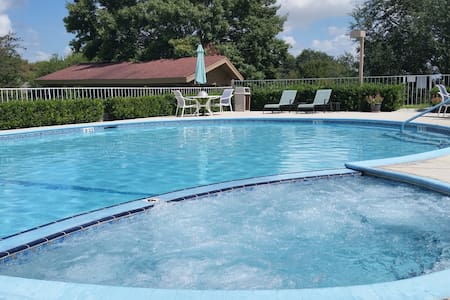 Scenic Hills 2BR House!!Golf-Pool-Jacuzzi-Peaceful - Schertz