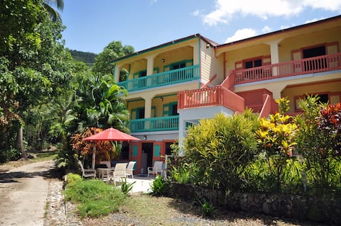 Charming 1BR cottage w/ ocean view balcony