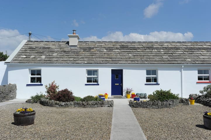 The Blue Stonecutters Cottage - Doolin - Chalet