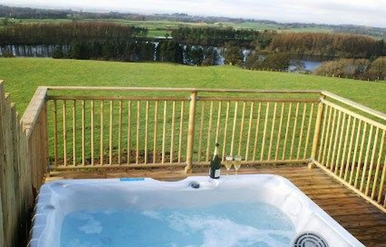 Garth Cottage (Hot Tub)
