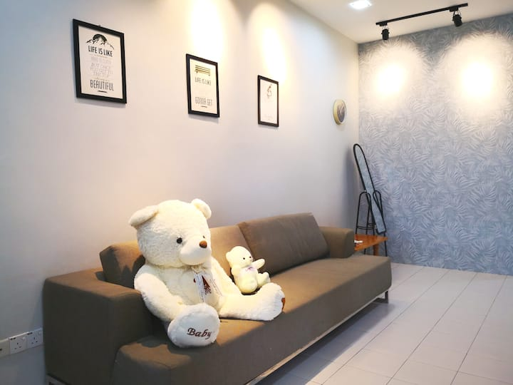 Comfort 3BR 2BA 4AC 8Pax WIFI TVBOX UTM JPO SKUDAI