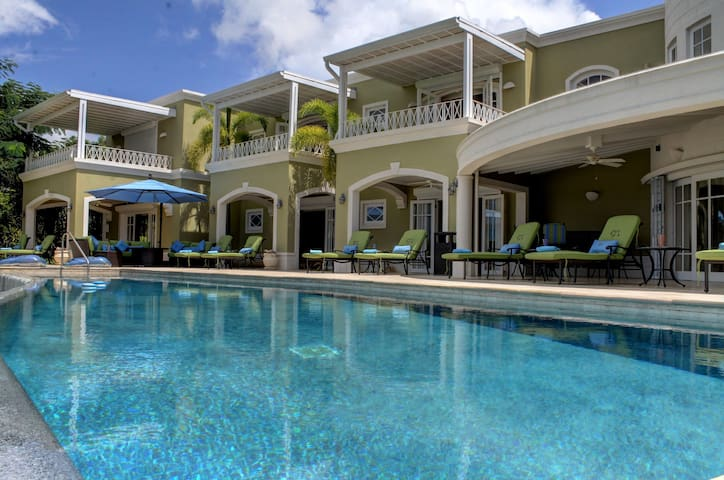 Monkey Hill Luxury  Villa, Sugar Hill, St James - Mount Standfast - Vila