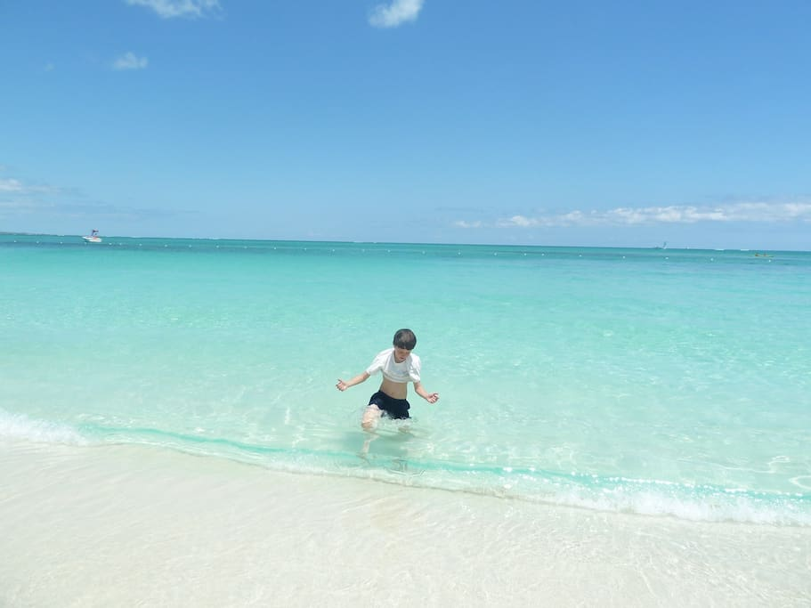 Gin Clear Turquoise waters of Middle Caicos