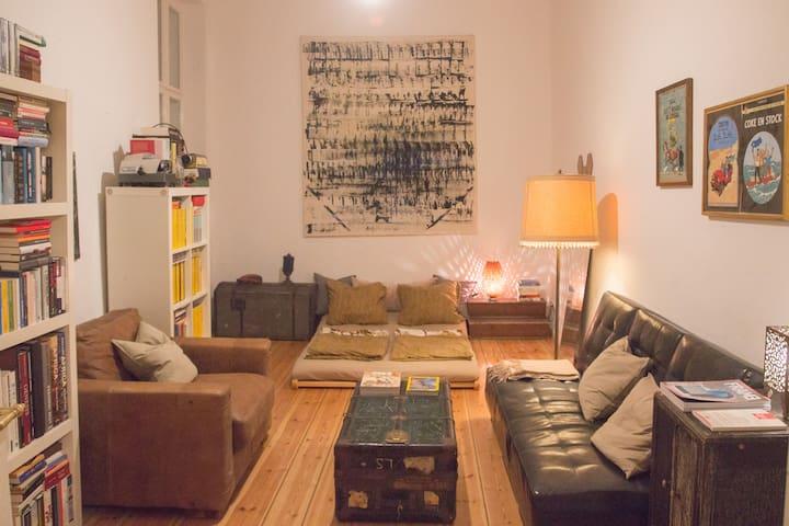 Cozy room in Berlin Charlottenburg