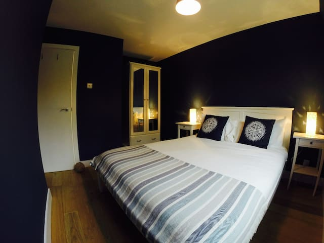 2 Bedroom Modern Cottage (sleeps 6) - Hamble-le-Rice - Rumah