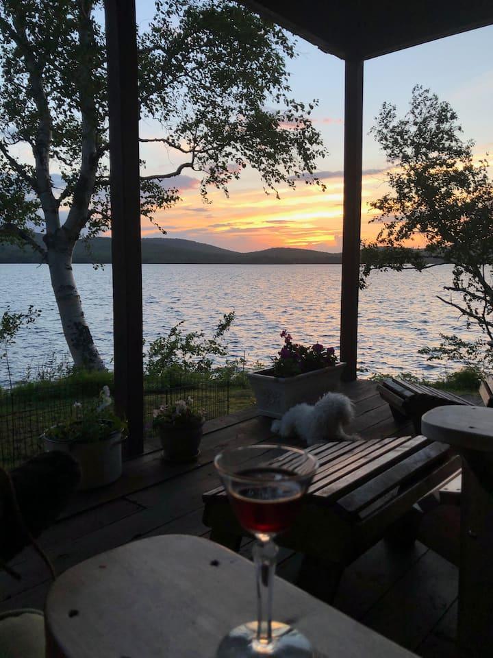 Historic Deer Lodge on Beautiful Chazy Lake