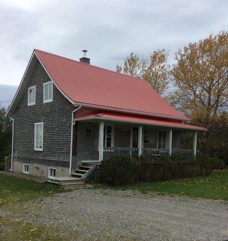 La Bohème, 35 minutes de Québec