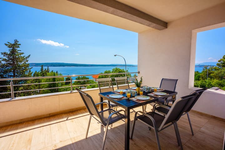 Dream seaview apartment for 4-6 persons
