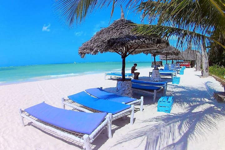Waikiki Resort Honeymoon room with Seaview