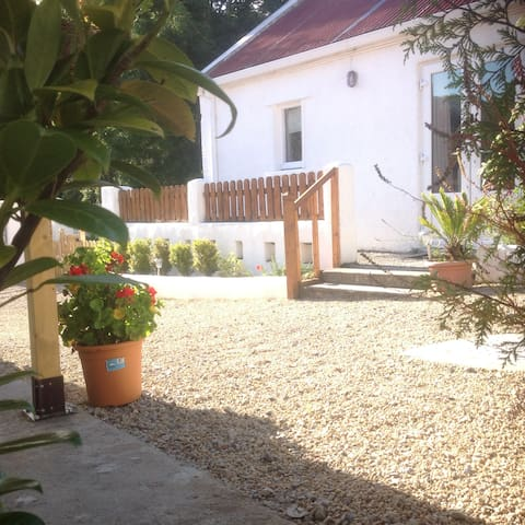 Willow Cottage, Bridge House Studios - Killaloe - Talo