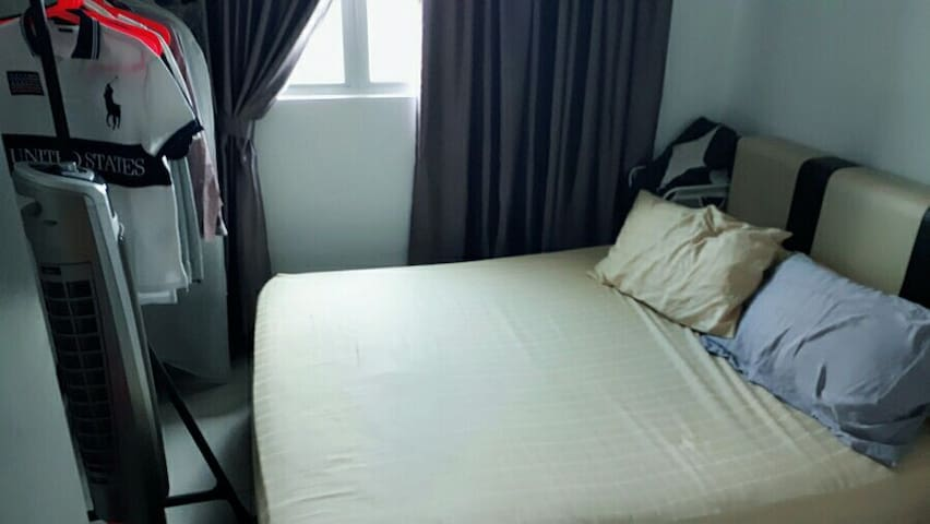 Private & quiet room beside the LRT - Kuala Lumpur - Appartement