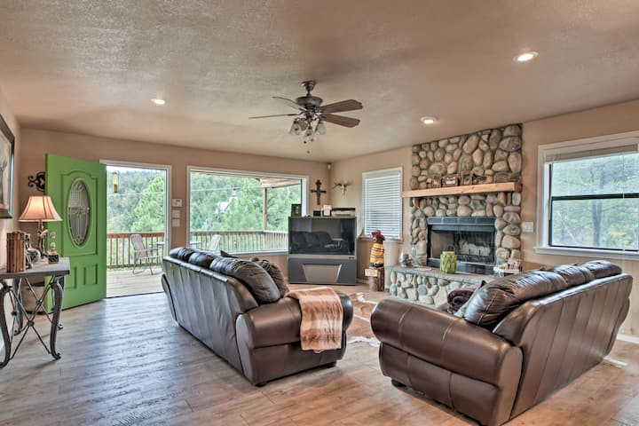 Cozy Ruidoso Home w/Deck Near Grindstone Lake