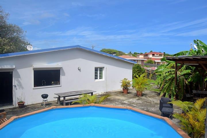 Villa 3 chambres  piscine plage à 50m  jardin
