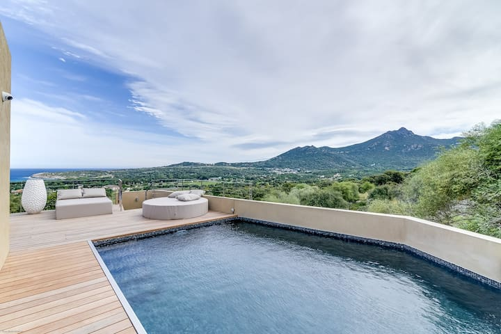 Designer villa between sea and mountain - Aregno - วิลล่า