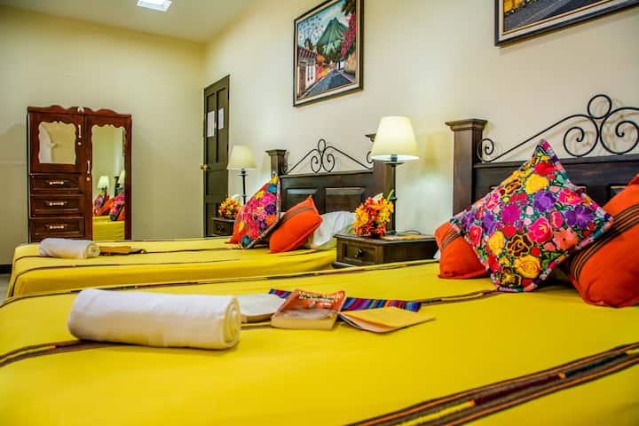 Triple Room 2 Blocks from Central Park in Antigua